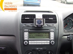 VW Golf Fitted With Parrot Mki9200.