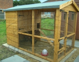 Hen House with covered run