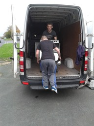 removals companies Leeds man and van loading van