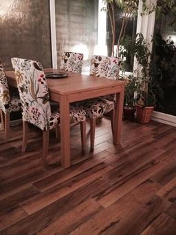 Wood effect porcalain tiles