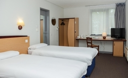 Campanile Dartford Whole Room View