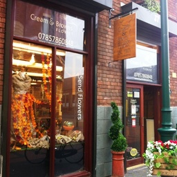 Cream and Browns Florist Shop in Middlesbrough