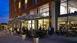 City cafe night