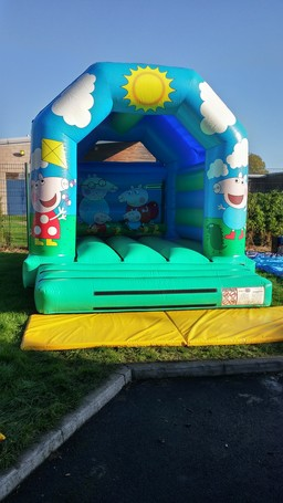Peppa Pig Style Bouncy Castle