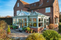 Stylish Orangery in Chartwell Green