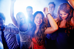 Safe taxi transfers to nightclubs & proms