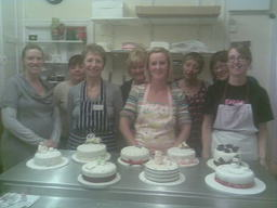 Cake decorating classes for the bigginners and to advanced.