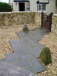 Garden walling, paving and shingle in Wiltshire