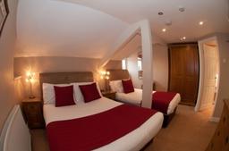 Twin bedded En-suite room...