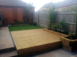 Decking Lawn Loughborough01