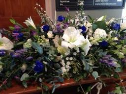 Coffin Flowers Winchester - 01962 861999