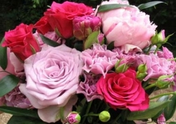 102 0238 Hand tied bouquet Peonies and Roses