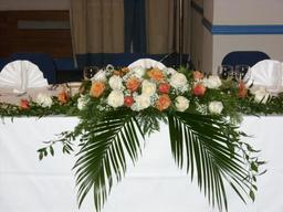 Top table arrangement for wedding or function