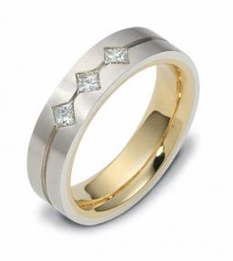 Priness cut diamond three stone ring