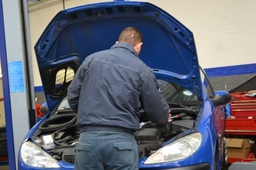 Repairs and servicing for all makes and models of vehicle at Humber Autos, Coventry.
