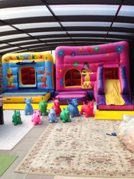 Inflatable bouncy castle party pack