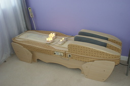 Migun multi therapeutic thermal massage bed