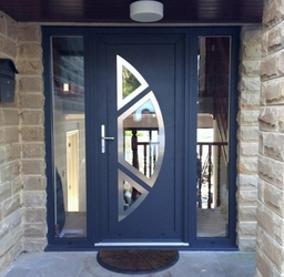 Our aluminium residential entrance doors are available in a wide range of designs and colours. This recent installation combines a textured paint finish with stainless steel door trims and silver anodised hardware to create a perfect contemporary finish.