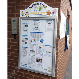 Tradition 30 external notice board wall mounted
