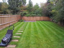 Garden maintenance Stonleigh