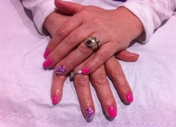 Beautiful Shellac Nails with Digital Nail Art