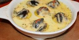 BBQ canape Escargots (snails) in garlic butteer
