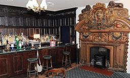 Tiger's Eye Restaurant, Main Bar