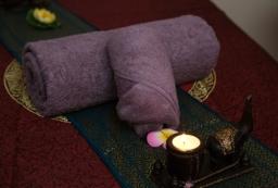 Massage Bed Decor