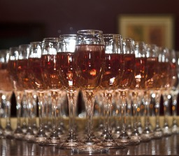 Champagne flutes to hire