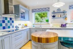 Bespoke handmade kitchen fitters Bristol