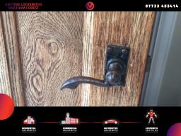 locksmiths services Waltham Forest