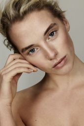Cassie Lomas Makeup Academy Beauty Fashion Shoot