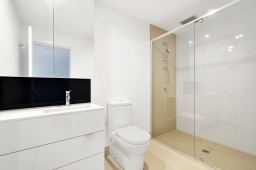 Builders_cleaner_professional_cleaning_london