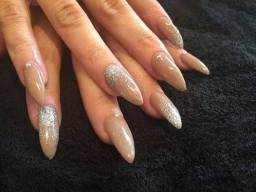 Nailzone Queen Street - Gold n Glitter