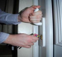 Stiff Door Lock Swift Lock Repairs
