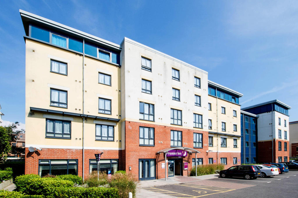 Premier Inn Bournemouth Westbourne Hotel In 8 Poole Rd