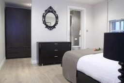Smart City Apartments Covent Garden Bedroom