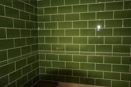 Green Wall Tiling above an AGA, Bridgwater.