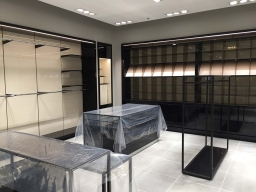 Hugo Boss - Shopfitting, Fitout