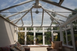 Sun protection on a conservatory