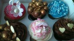 Gift Box of Simply Vanilla & Chocolate Indulgence Cupcakes