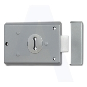 FB1 Locks fitted to electrical cupboards
