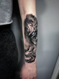 tiger London Blue Lady Tattoo