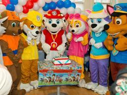 Kids party mascot in London from JoJoFun