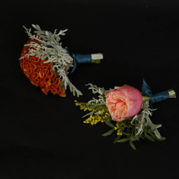 Groom and best men buttonholes