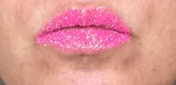 NC Beauty Salon Sparkle Lips