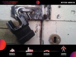 business locksmiths Waltham Forest