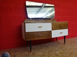 Shabby Chic Retro Sideboard With Drawers