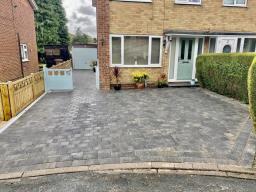 Block paving driveway, Driffield