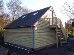 Oak framed garage construction in kent